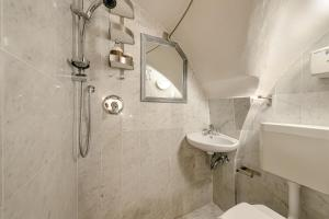 Santo Spirito Frescos apartment, Apartments  Florence - big - 4