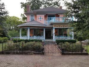 The Peach House - Accommodation - Atlanta