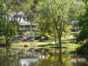 Granite Gardens Cottages & Lake Retreat