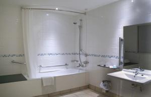 Holiday Inn Chester South, Отели  Честер - big - 38