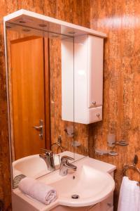 Apartments Meri I, Apartmány  Novalja - big - 5