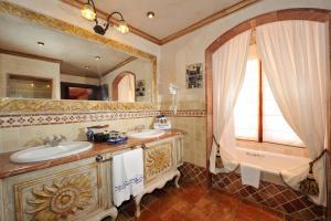 Europe Villa Cortes GL (30 of 55)