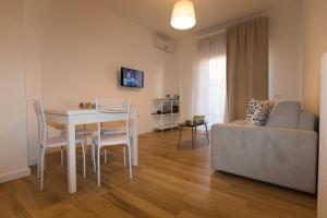 Salerno e le due coste, Apartments  Salerno - big - 3