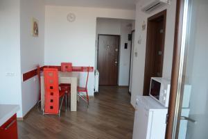 Grand View Apartment, Apartmány  Brašov - big - 43