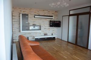 Grand View Apartment, Apartmány  Brašov - big - 48