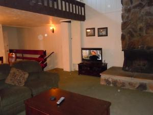 Three-Bedroom Deluxe Townhouse Unit #40 by Snow Summit Townhouses - Hotel - Big Bear Lake