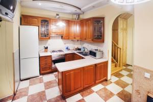 Aparthome Ludovik, Ferienwohnungen  Lwiw - big - 57