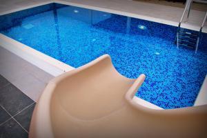 Villa G Premium, Vily  Lustica - big - 1