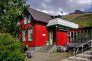 Hafaldan HI Hostel - Old Hospital Building - Seyðisfjörður