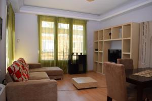 Sweet Home Tirana