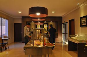 Hotel Valencia, Hotely  Dourados - big - 43