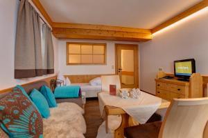 Am Dorfplatz Suites - Adults only, Hotely  Sankt Anton am Arlberg - big - 5