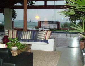 Casa de Ponta das Canas, Holiday homes  Florianópolis - big - 18