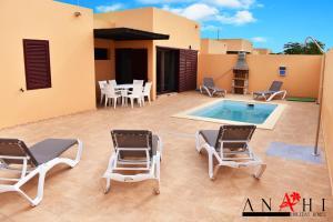 Anahi Home, La Oliva