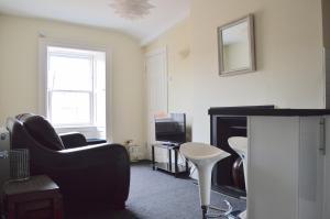 1 Bedroom City Centre Flat Sleeps 2 - Hotel - Edinburgh