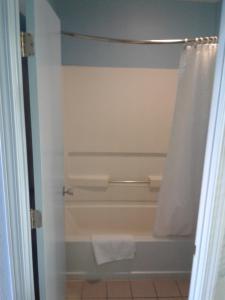 Rodeway Inn Brownsville, Hotels  Brownsville - big - 5