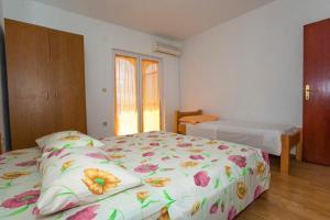 Apartment Tucepi 13056a, Apartmány  Tučepi - big - 9