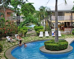 . Hotel Vistamar Beachfront Resort & Conference Center