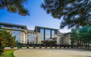 . Qingshan Hotel Baotou(Ying bin Building)