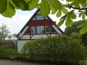 Cozy Apartment in Kropelin Germany near Sea, Apartmanok  Kröpelin - big - 2