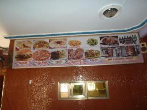 Big Ups hotel, Отели  Gbawe - big - 34