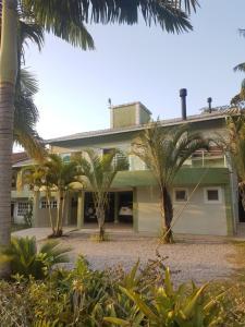Natur Casa Jurerê, Case vacanze  Florianópolis - big - 15