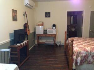Swan Song Inn, Bed & Breakfasts  Marshfield - big - 81