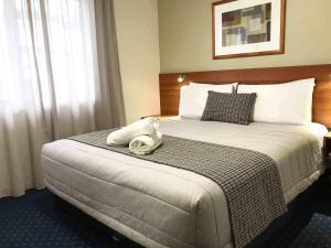 Ventura Inn & Suites Hamilton