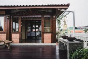 Feung Nakorn Balcony Rooms and Cafe, Hotels  Bangkok - big - 123