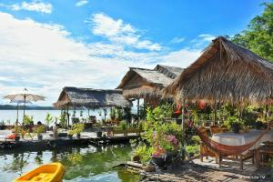 Sweet Home Floating House - Ban Nong Pru