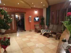 Hotel Pod Trzema Różami, Hotels  Sanok - big - 27