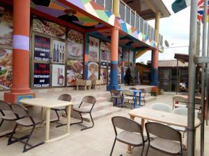 Big Ups hotel, Отели  Gbawe - big - 26