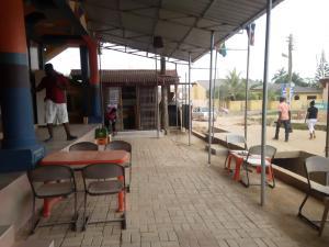 Big Ups hotel, Отели  Gbawe - big - 13