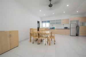 228 Vacation Home - Bayan Baru, Apartments  Bayan Lepas - big - 59