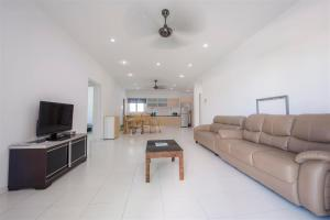 228 Vacation Home - Bayan Baru, Apartments  Bayan Lepas - big - 53