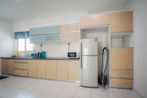 228 Vacation Home - Bayan Baru, Apartments  Bayan Lepas - big - 52