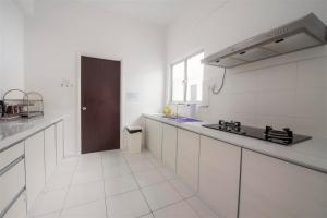 228 Vacation Home - Bayan Baru, Apartments  Bayan Lepas - big - 46