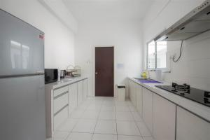 228 Vacation Home - Bayan Baru, Apartments  Bayan Lepas - big - 38