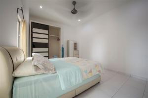 228 Vacation Home - Bayan Baru, Apartments  Bayan Lepas - big - 36