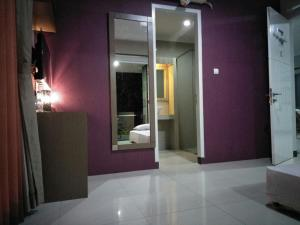 Mini Guest House Tasikmalaya, Bed and Breakfasts  Tasikmalaya - big - 1