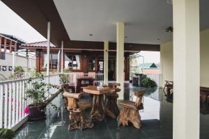 Feung Nakorn Balcony Rooms and Cafe, Отели  Бангкок - big - 7