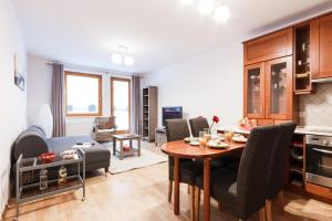 Cozy Apartments with Private Garage, Apartmány  Praha - big - 1