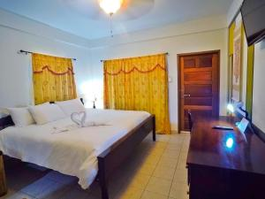 Deluxe Single Room - No Balcony Rumors Resort Hotel