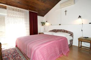 Albergues - Double Room Preko 8180f
