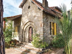 Two-Bedroom Holiday Home in Ajaccio, Dovolenkové domy  Ajaccio - big - 1