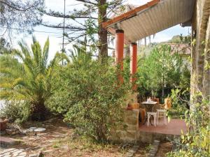 Two-Bedroom Holiday Home in Ajaccio, Dovolenkové domy  Ajaccio - big - 11