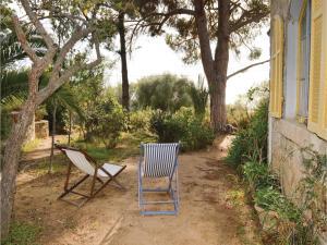 Two-Bedroom Holiday Home in Ajaccio, Dovolenkové domy  Ajaccio - big - 15