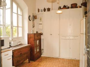 Two-Bedroom Holiday Home in Ajaccio, Dovolenkové domy  Ajaccio - big - 16