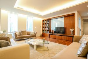 Yallarent Limestone house DIFC - Luxurious and spacious 3BR -