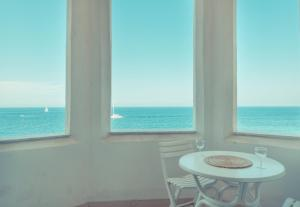 Marvellous Seafront Apartment in Sliema